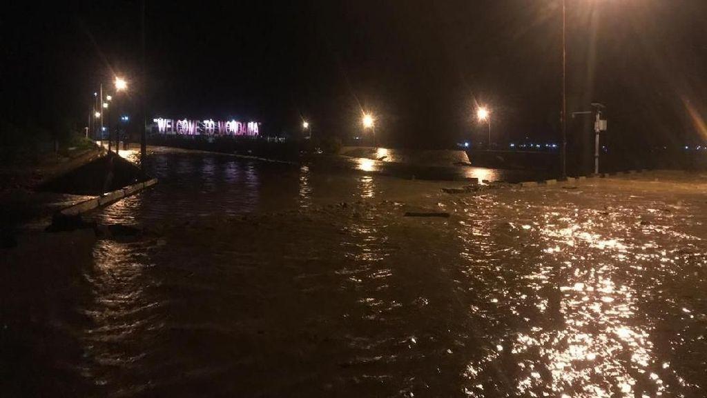 Banjir di Wasior Papua Barat, 50 Warga Mengungsi di Kapal Tongkang