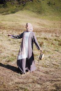 5 Model Busana Muslim Terbaru dan Modern Koleksi Brand Covering Story