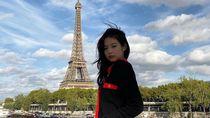 Ragam Potret Artis Saat Kunjungi Menara Eiffel
