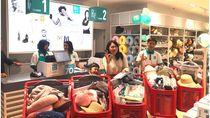 Diskon Hingga 70%, Pelanggan Ini Borong 10 Troli di Okidoki Cilandak