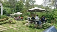 Di lokasi Dillem Wilis juga disediakan kafetaria yang menyediakan aneka olahan kopi yang disajikan secara modern. Kopi pun siap dinikmati di gazebo sambil bercengkrama bersama sahabat maupun keluarga (Foto: Adhar Muttaqin/detikcom)