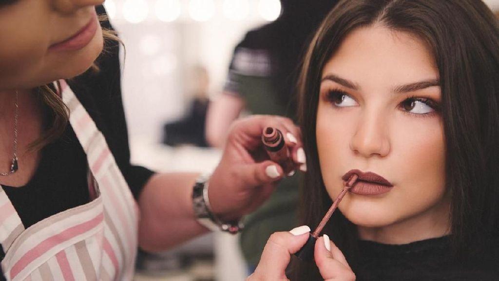7 Ide Makeup untuk Pesta Tahun Baru dari Selebriti Hingga Makeup Artist