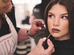 15 Urutan Makeup Lengkap untuk Sehari-hari dari Bubah Alfian