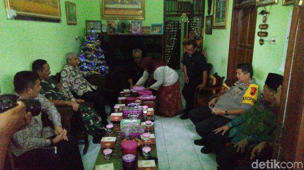 Natal di Semarang, Diiringi Rebana hingga Gotong Royong Warga Muslim