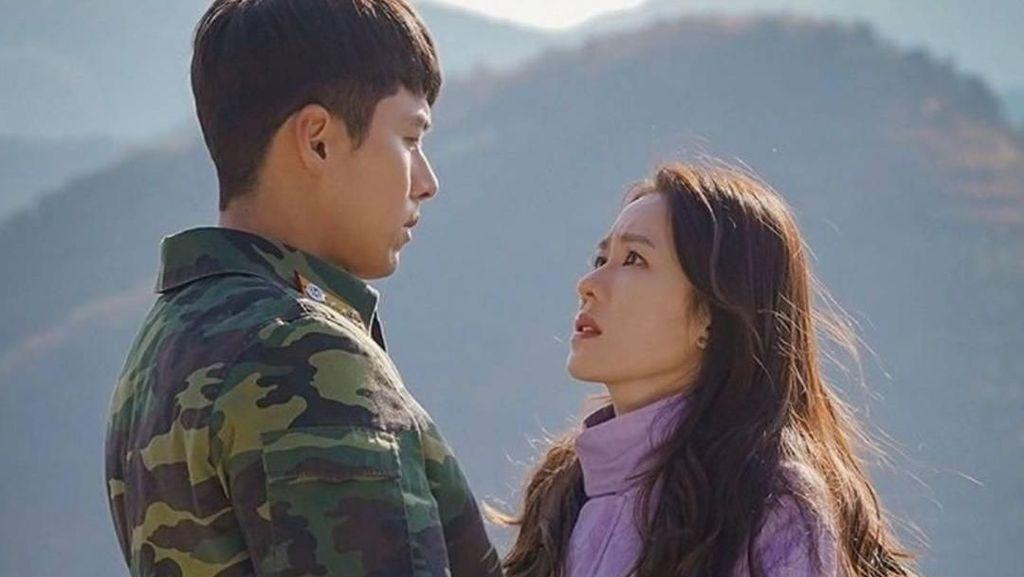 Intip Skincare Aktris Crash Landing On You Son Ye Jin, Bikin Wajah Mulus