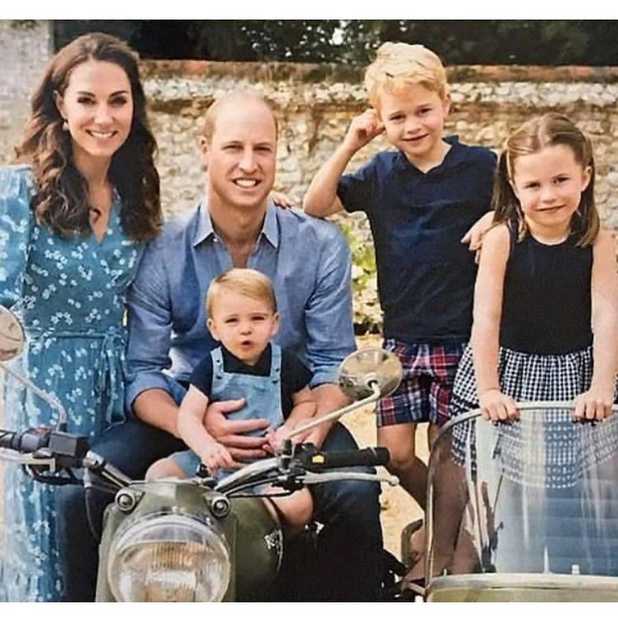 Kate Middleton dan Pangeran William, foto natal