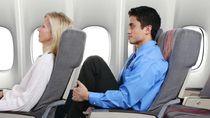 Sebelum Turunkan Sandaran Kursi Pesawat, Please Lakukan Ini