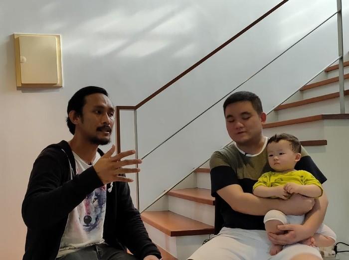 Yurino Donkey Putra (kanan) Foto: Virgina Maulita Putri/detikINET