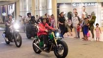 Gaya Jokowi Motoran Bareng Kaesang