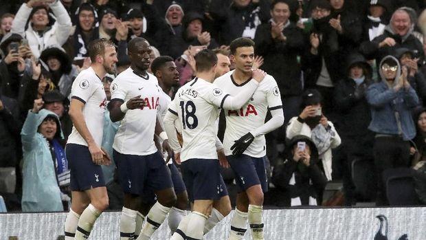 Tottenham menang tipis 2-1 atas Brighton & Hove Albion. (