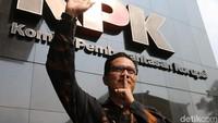 Momen Hening Saat Febri Diansyah Pamit ke Pimpinan KPK