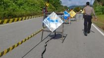 Waduh! Jalan di Perbatasan Entikong Retak