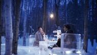 Brrrr! Ice Village Tawarkan Sensasi Minum Teh Sambil Duduk di Atas Es Batu