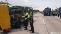 Sopir Elf Diduga Mengantuk, Begini Kronologi Laka di Tol Semarang-Batang