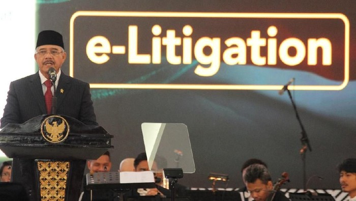 Ketua MA Hatta Ali saat meresmikan e-litigation