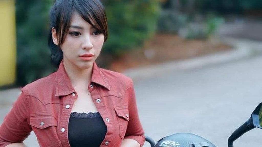 Unggah Foto Saat Remaja, Ini Perubahan Angela Lorenza