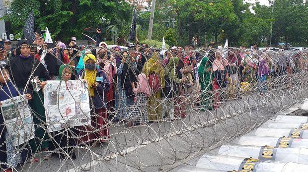 7 Tuntutan dari Massa Aksi Bela Uighur di Konjen China Surabaya