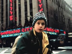 7 Hal yang Bikin Home Alone Film Natal Klasik Sepanjang Masa