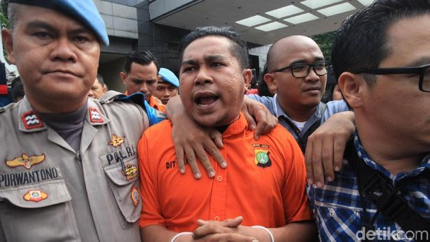 2 Polisi Penyiram Air Keras ke Novel Baswedan: Rahmat Kadir-Ronny Bugis