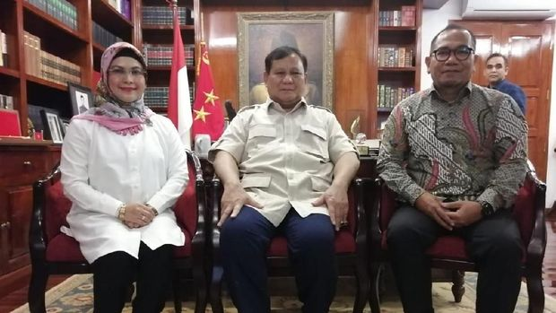 Prabowo Subianto Bertemu Siti Nur Azizah dan Biem Benyamin