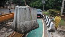 Hindari Kecelakaan di Pertigaan Senopati, Pembatas Beton Dipasang