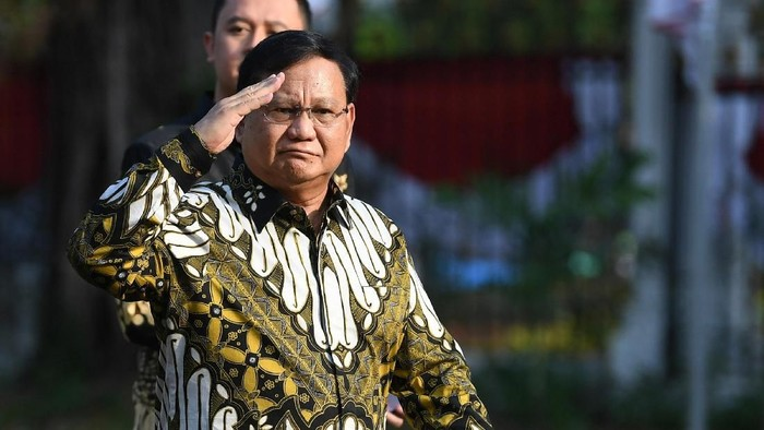 Tahun 2019 ini diwarnai rematch dan manuver elite politik yang mengejutkan. Joko Widodo (Jokowi) dan Prabowo Subianto yang semula bersaing sengit kemudian bersatu di kabinet baru.