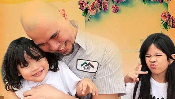 Ahmad Dhani Bebas! Lihat Lagi Senyumnya dengan Mulan Jameela