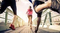Karantina di Rumah, Pria China Latihan Lari 50 Km Kelilingi Meja Kursi