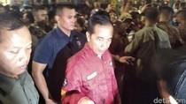 Malam-malam, Jokowi Sapa Pengunjung Malioboro