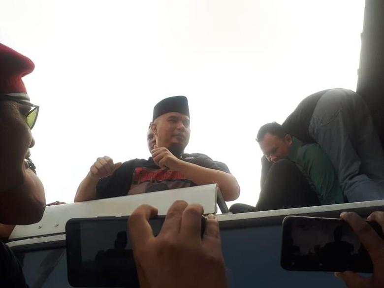 Foto: Ahmad Dhani bebas dari Cipinang (Dwi Andayani/detikcom)