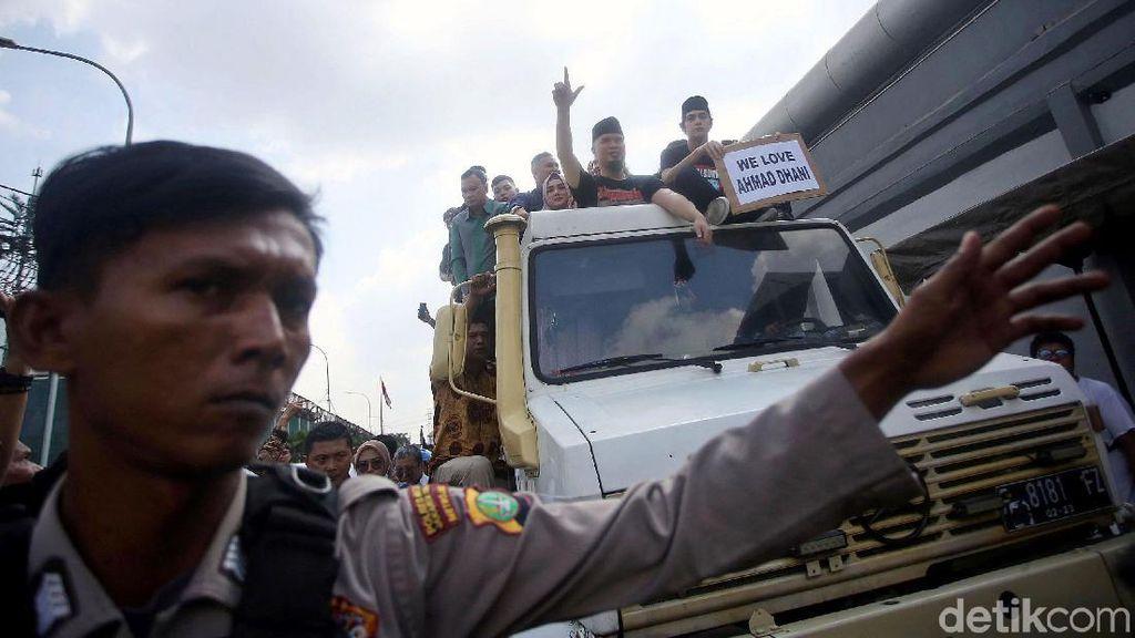 Potret Unimog yang Antar Ahmad Dhani Pulang ke Rumah