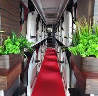 Bus Hotel Kapsul berjalan