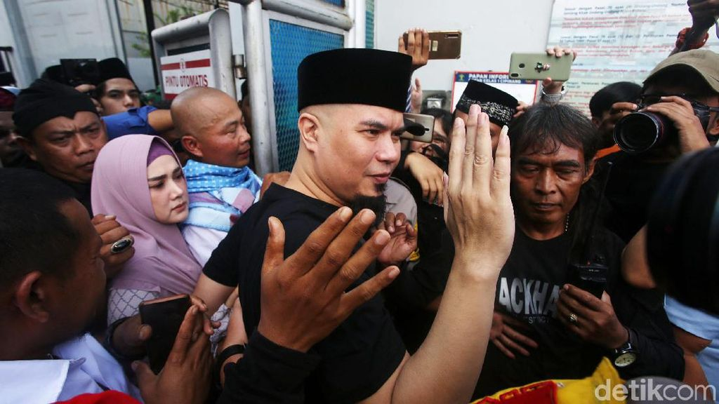 Momen Ahmad Dhani Kembali Hirup Udara Bebas