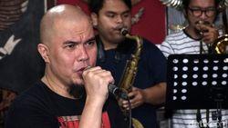 Ahmad Dhani Akui Ketakutan Jadi Kesuksesan Album Bintang Lima