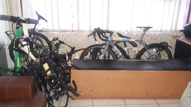 Sepeda-sepeda yang ditabrak PNS Polres Jaksel