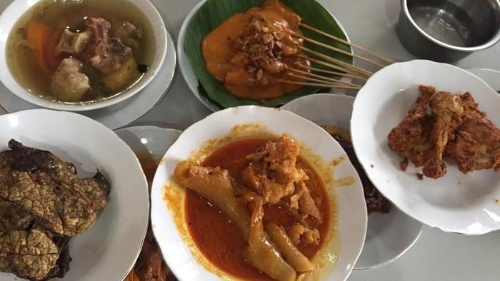 Rumah makan Padang di Jakarta Pusat