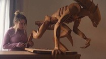 Keren! Seniman Ini Buat Alien hingga Groot Pakai Ratusan Kue Gingerbread