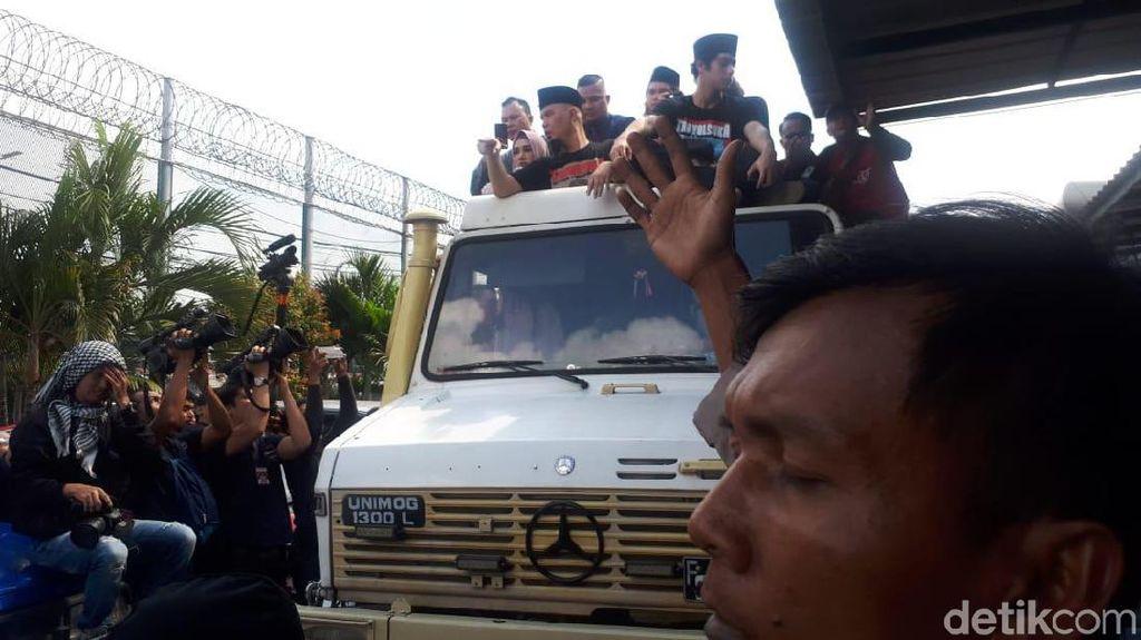 Bebas dari Penjara, Ahmad Dhani Naik Unimog