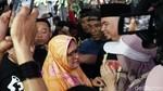 Jenguk Ahmad Dhani, Momen Safeea Bertemu Ayahnya di Rutan