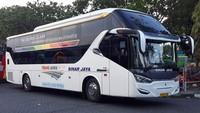 Trip perdana bus Suites Class Full Sleeper tujuan Surabaya-Jakarta via tol Trans Jakarta dari PO. Sinar Jaya ini sudah mulai beroperasi pada 24 Desember 2019. Foto:istimewa