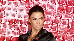 Operasi Kaki, Bintang Reality TV Ini Harus Puasa Seks