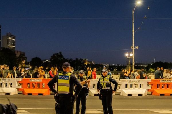 Polisi siap siaga mengamankan pesta kembang api pergantian tahun baru 2020 (Foto: gettyimages)