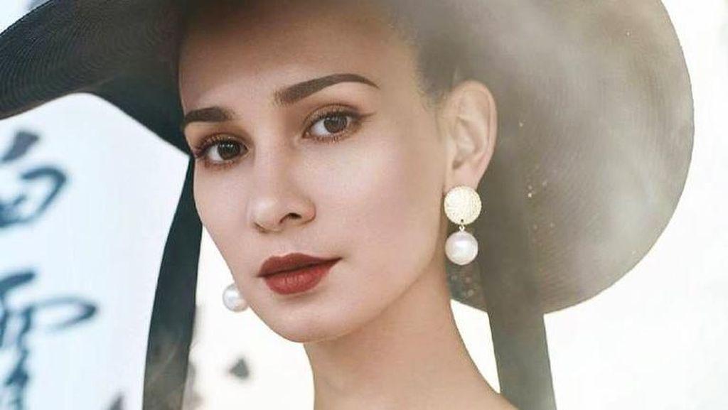 Potret Aktris Cantik Celina Jade, Istri Mantan Member Super Junior Hangeng