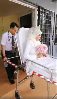Viral Pengantin Dihujat, Naik Ambulans & Bunyikan Sirine ke Tempat Nikah