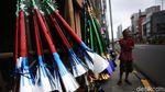 Pedagang Terompet Mengais Rezeki di Penghujung Tahun