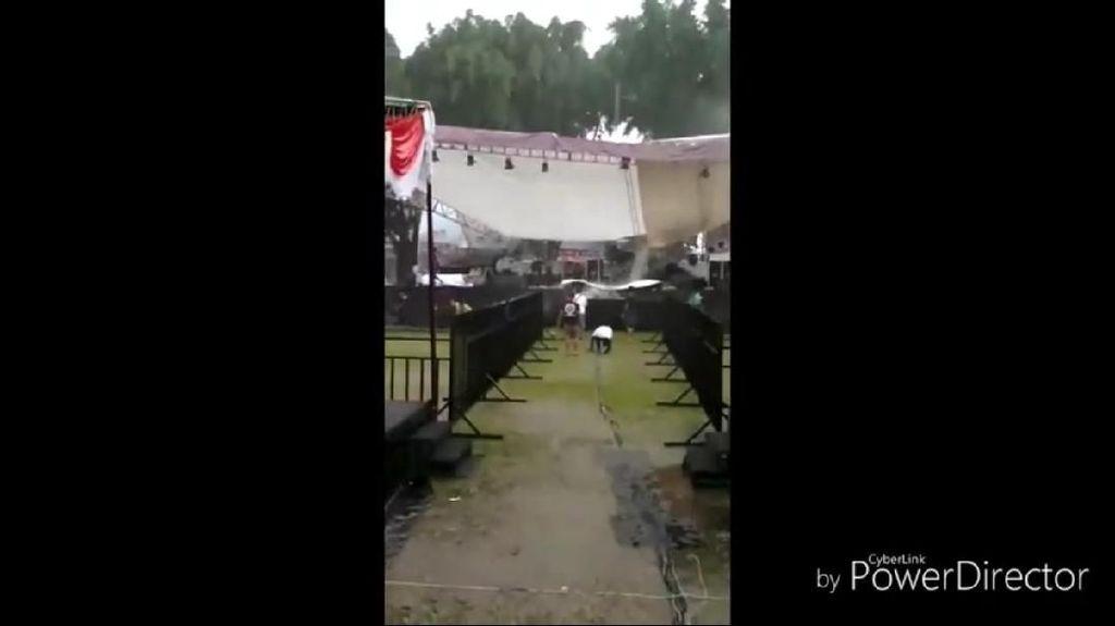 Hujan Angin, Panggung Pasha Ungu di Magelang Ambruk Sore Tadi