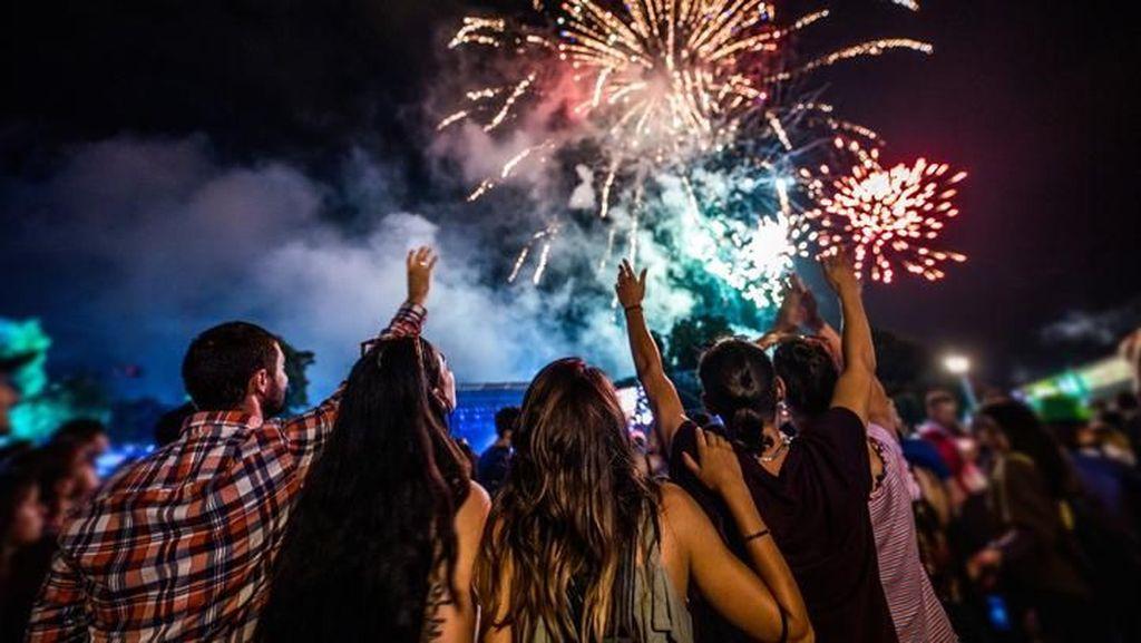 Biar Makin Seru, Sambut Malam Tahun Baru dengan 3 Aktivitas Ini