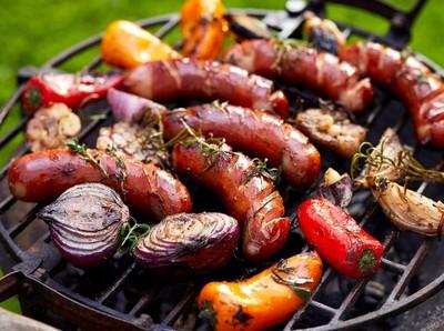 Mantap! Bisa Makan Barbeque Sepuasnya di Aston Banyuwangi