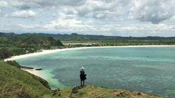 Potret Bukit Merese yang Ciamik di Lombok