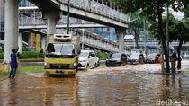 Penampakan Banjir di Jalan Sudirman Jakarta